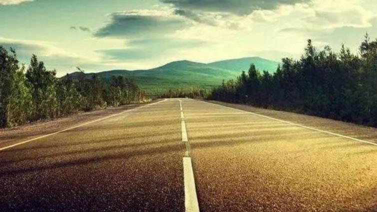 2017年第一张高考满分作文:人生如路,快上车吧!
